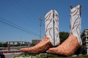 """Worlds largest cowboy boots in SA, built in the late 1970s by Bob """"Daddy-O"""" Wade after he had built a giant iguana for New York City's Hard Rock Cafe."""