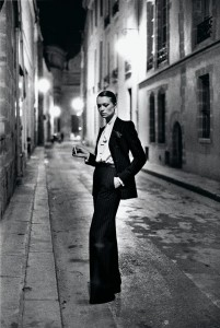 ©The Helmut Newton Estate/Maconochie Photography. The image is under copyright and must not be screen-grabbed, downloaded, or dragged off this website. No usage whatsoever is permitted.