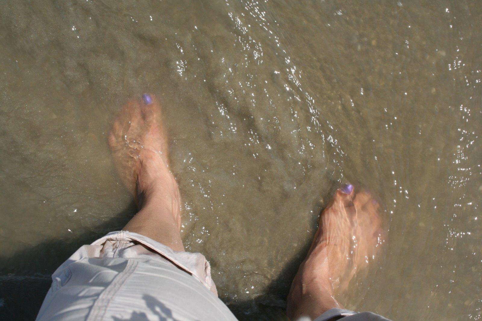 galveston-feet-1-792582