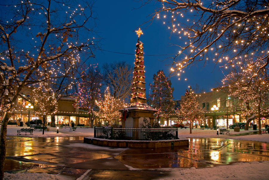 Santa-Fe-Plaza-Holiday-Lights