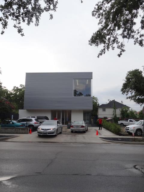 Sicardi Gallery's New Building + Oscar Muñoz