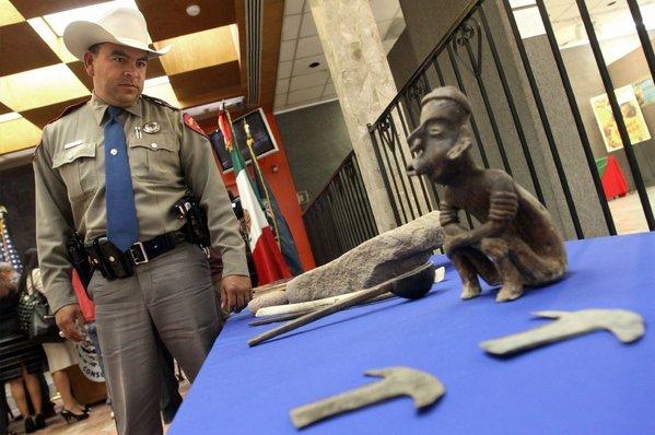 Texas trooper Albert John Barragan in El Paso (Mark Lambie / Associated Press / El Paso Times / October 25, 2012)
