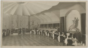 Palais Royal Cabaret Theatre, distant view of bandstand, Unidentified photographer, ca. 1922.  Image courtesy of the Edith Lutyens and Norman Bel Geddes Foundation / Harry Ransom Center