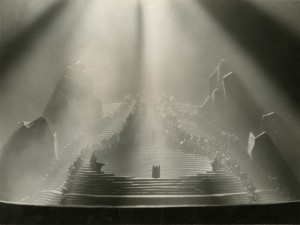Divine Comedy Model with Lighting and Figures,  Photograph by Francis Bruguière,1924. Image courtesy of the Edith Lutyens and Norman Bel Geddes Foundation / Harry Ransom Center