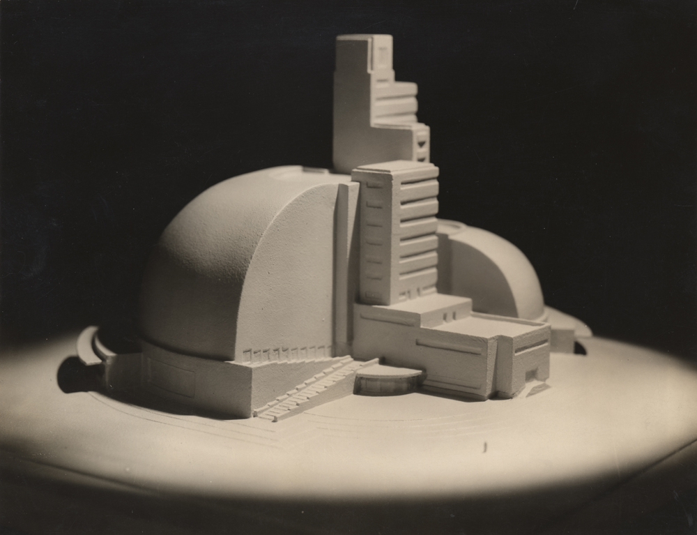 Model of Theater Number Six,  Photograph by Maurice Goldberg, ca. 1929.  Image courtesy of the Edith Lutyens and Norman Bel Geddes Foundation / Harry Ransom Center