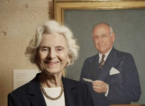 Ruth Carter Stevenson with a picture of her father, Amon G. Carter (photo credit: Paul Moseley / Star-Telegram archives)