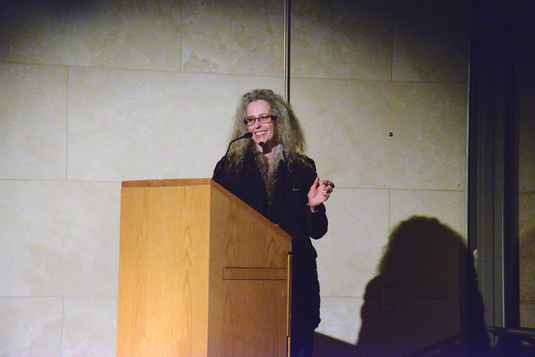 kiki smith essay Posts about kiki smith written by simon  in a 1973 essay titled 'visual pleasure  and narrative cinema', the film director, scholar and feminist laura mulvey.