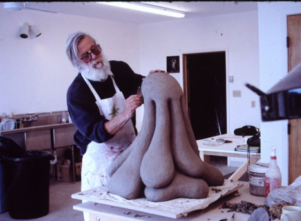 The late Ken Price at work. © Ken Price. Photo © Fredrik Nilsen