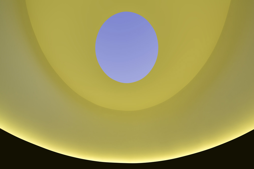 James Turrell, The Color Inside, 2013. Black basalt, plaster, LED lights. 224 x 348 x 276 inches. Photo by Paul Bardagjy
