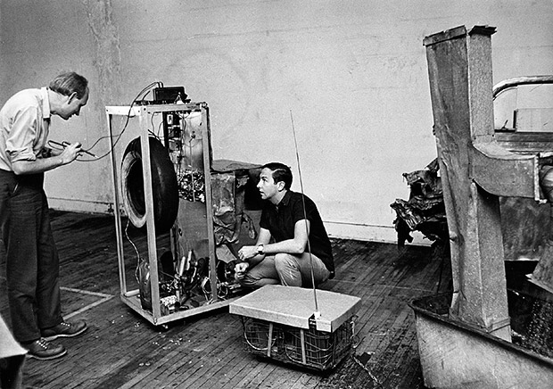 Rauschenberg and Klüver working on Oracle, 1965, via Phaidon.com