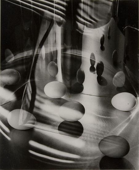 Carlotta M. Corpron (1901–1988) Eggs Encircled, 1948 Gelatin silver print © 1988 Amon Carter Museum of American Art, Fort Worth, Texas, Gift of the artist