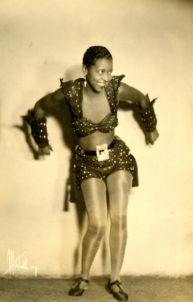 Herbert Mitchell (American, 1898-1980), [Ethel Waters], 1931. Gelatin silver print, 35.5 x 27.8 cm. Theater Biography Collection, Harry Ransom Center.