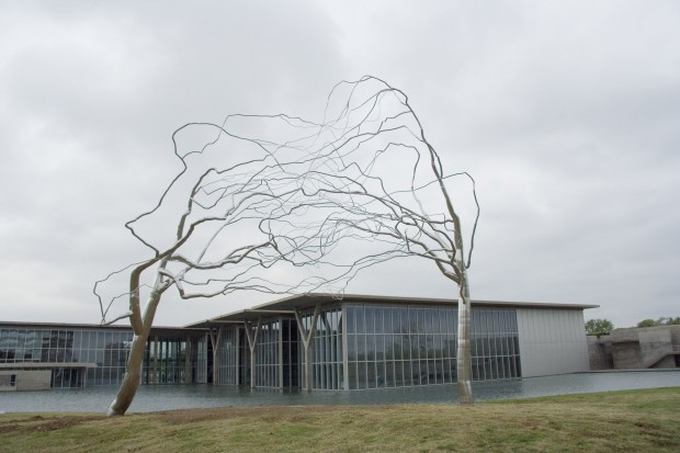 Roxy Paine,Conjoined, 2007, Stainless steel and concrete, 42 x 46 x 28 feet