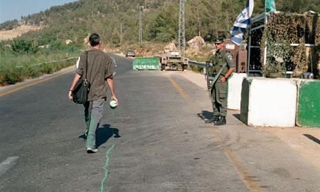 Francis Alys The Green Line, Jerusalem 1995