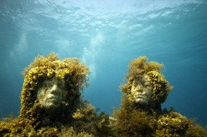 Underwater sculpture by  Jason deCaires Taylor