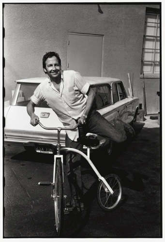 Felsen said he snapped this photo of Rauschenberg after Rauschenberg had been printing for 8-10 hours and went outside to ride around the parking lot on his bike. All workshop photos copyright © Sidney Felsen. All rights reserved.