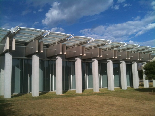 The Piano Pavilion of the Kimbell under the Texas sky.