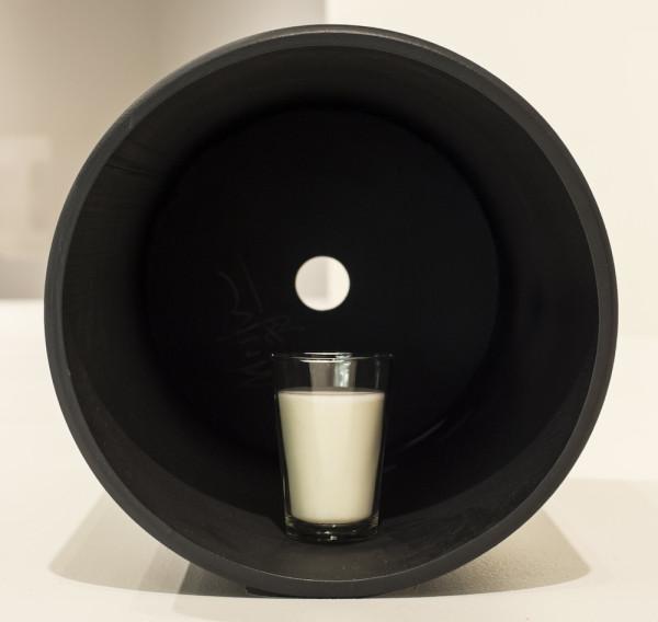 Tubo de ferro, copo de leite [Iron Tube, Glass of Milk], 1978