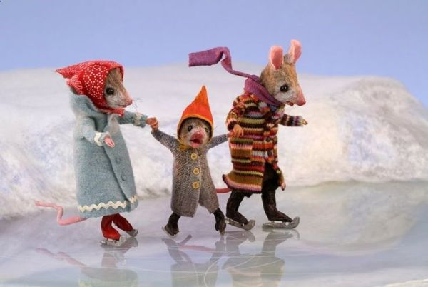 mouse_skates