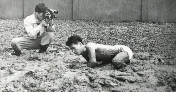 Kazuo Shiraga_Challenging Mud