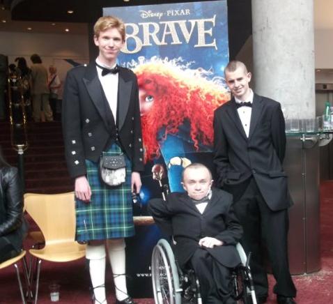 The Scottish actor/director Mark Flood (left) looks nothing like the Houston/NYC artist. Image via imdb.com.