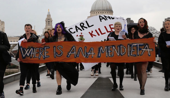 Protesters en route to the Tate Modern. Photo by and courtesy Charlotte Bell via Hyperallergic.