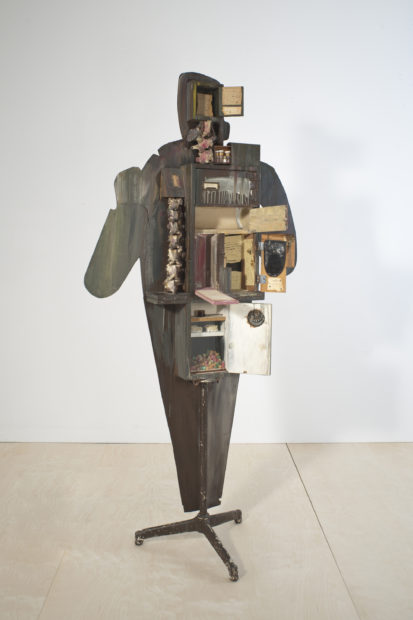 Edward Kienholz, Walter Hopps Hopps Hopps, 1959. Oil paint and resin on hardboard and wood with metal, plastic, animal vertebrae, candy, plaster, leather, pills, glass, printed paper, graphite, colored pencil and ink on paper, mat board, and adhesive tape, 87 × 42 × 21 in.