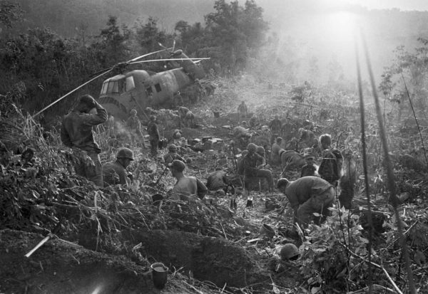 Henri Huet, Marines south of DMZ after days of fighting, Sept. 1966