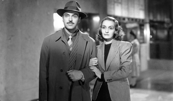 still from Distinto Amanecer (1943)