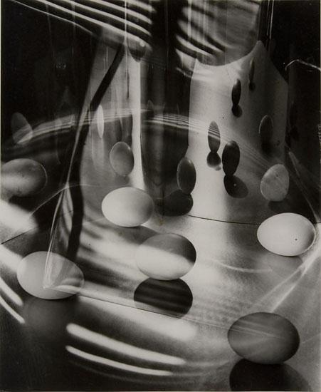 Carlotta M. Corpron (1901–1988) Eggs Encircled, 1948 Gelatin silver print © 1988 Amon Carter Museum of American Art, Fort Worth, Texas, Gift of the artist