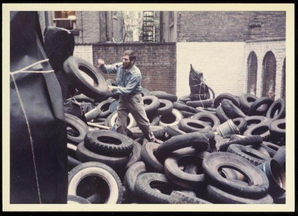 Allan Kaprow,Yard,1961