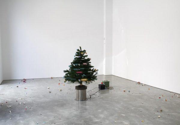 Roman Signer's installation Zimmer mit Weihnachtsbaum (Room with Christmas Tree)