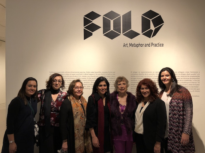 Fold scholars and artists