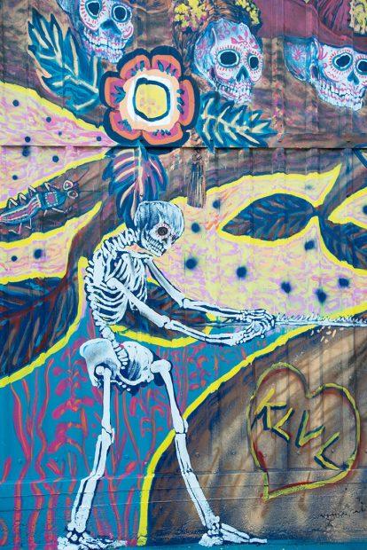 mural by Angel Quesada at the Morales Radio Hall