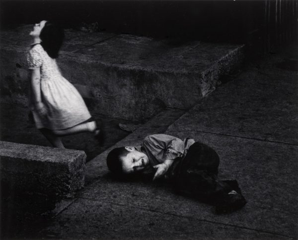 Dave Heath, Vengeful Sister, Chicago, 1956.