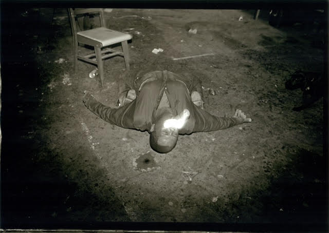 George Hixon photograph of a James Bettison performance at Lawndale.