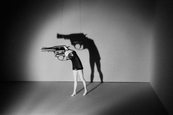 Laurie Simmons, Walking Gun, 1991.