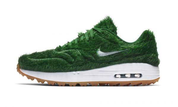 Nike-Air-Max-Golf-Shoes-Grass