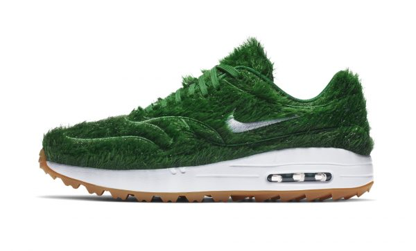 Nike-Air-Max-Golf-Shoes-Grass