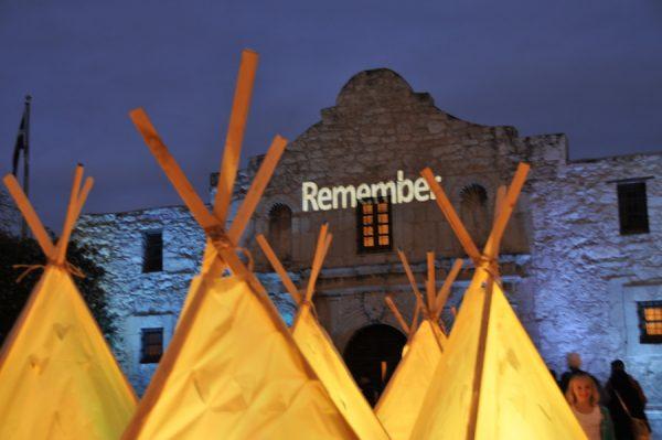 Laura Varela, foto del rodaje de Enlight-Tents (El Campamento de las Luces), 2009