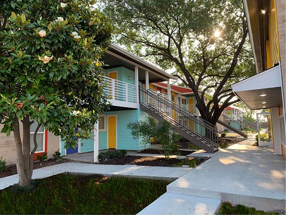 Zócalo Apartments artist-in-residence program-in-Spring-TX