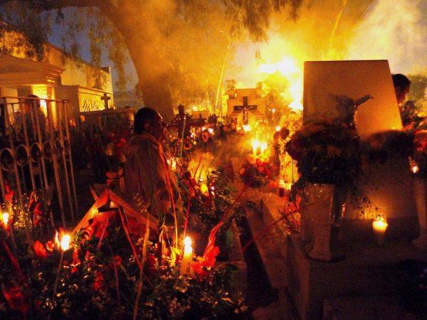 Candlelight vigil, Mixquic, 2010. Photograph © Ruben C. Cordova