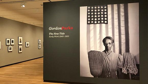 Entrance-to-gordon-parks-exhibit-at-Amon-Carter-Museum
