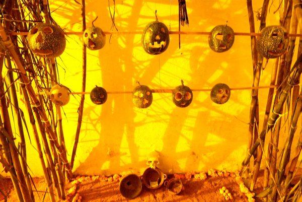 Jack-o'-lantern Tzompantli (skull rack), 2009
