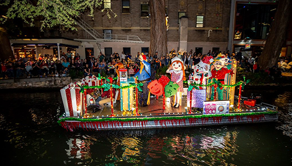 Ford-Holiday-River-parade-San-Antonio