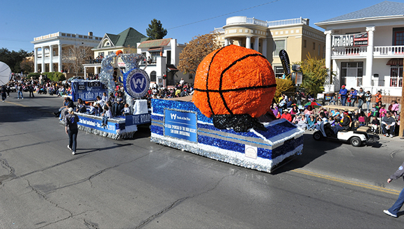 Sunbowl-Thanksgiving-Day-Parade