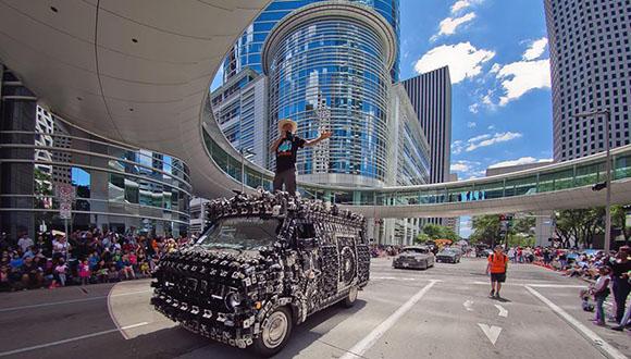 Art-Car-Parade-2020-goes-online-d