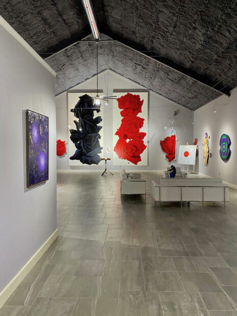 Gallery featuring Benini's signature roses and earlier works.
