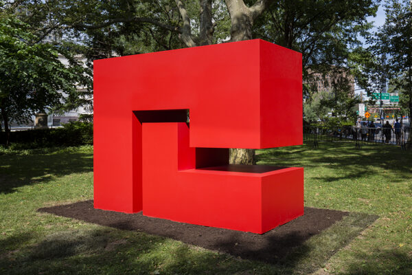 "Carmen HerreraUntitled Estructura (Red),"" Carmen Herrera, 1962/2018. On view as part of ""Carmen Herrera: Estructuras Monumentales,"" presented by Public Art Fund at City Hall Park. © Carmen Herrera. Courtesy: Lisson Gallery."
