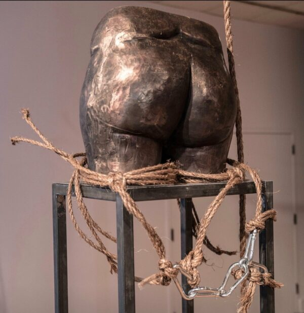 """Jer'Lisa Devezin sculpture """"Kiss my ass."""""""